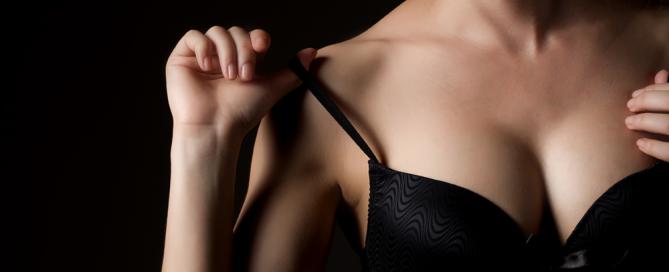 El aumento del pecho a la edad de adolescentes