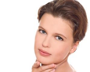 Rejuvenecimiento facial con infiltraciones